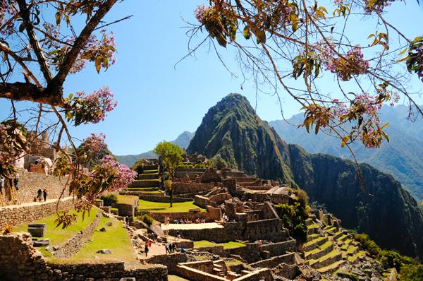 Machu Picchu Peru / bwb-images