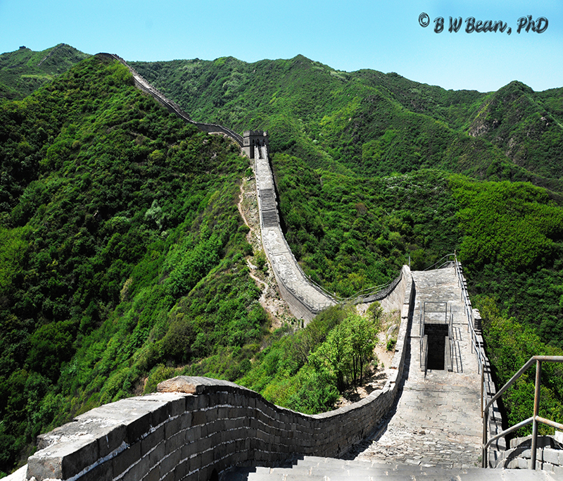 The Great Wall of China winds it's way to the horizon