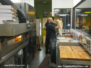 Barcelona Pizza chef 2