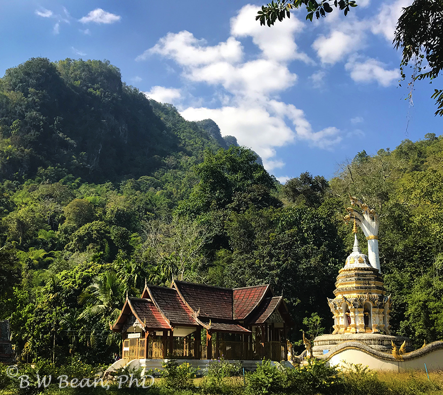 DAY TRIP TO WAT THAM - Chiang Dao, Thailand