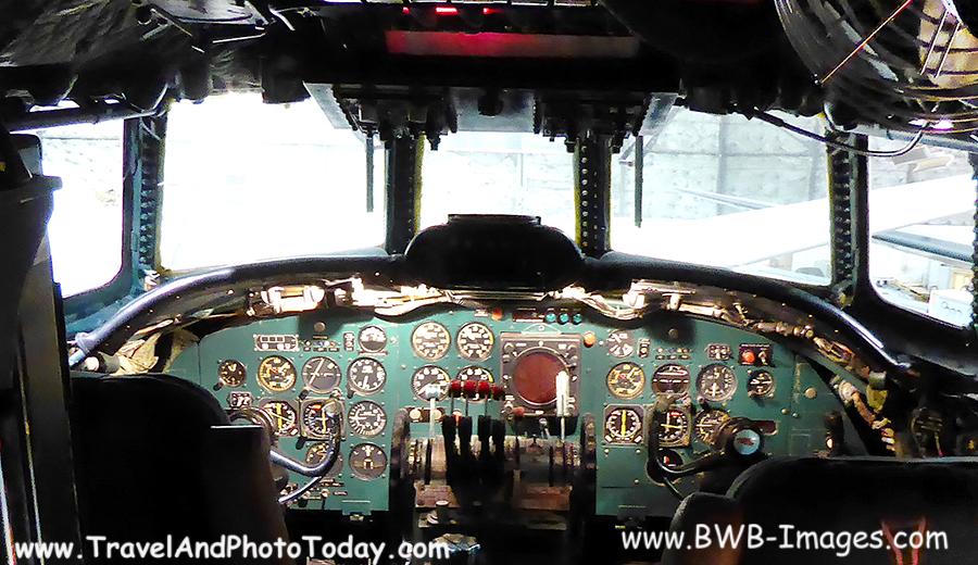 KC TWA Cockpit